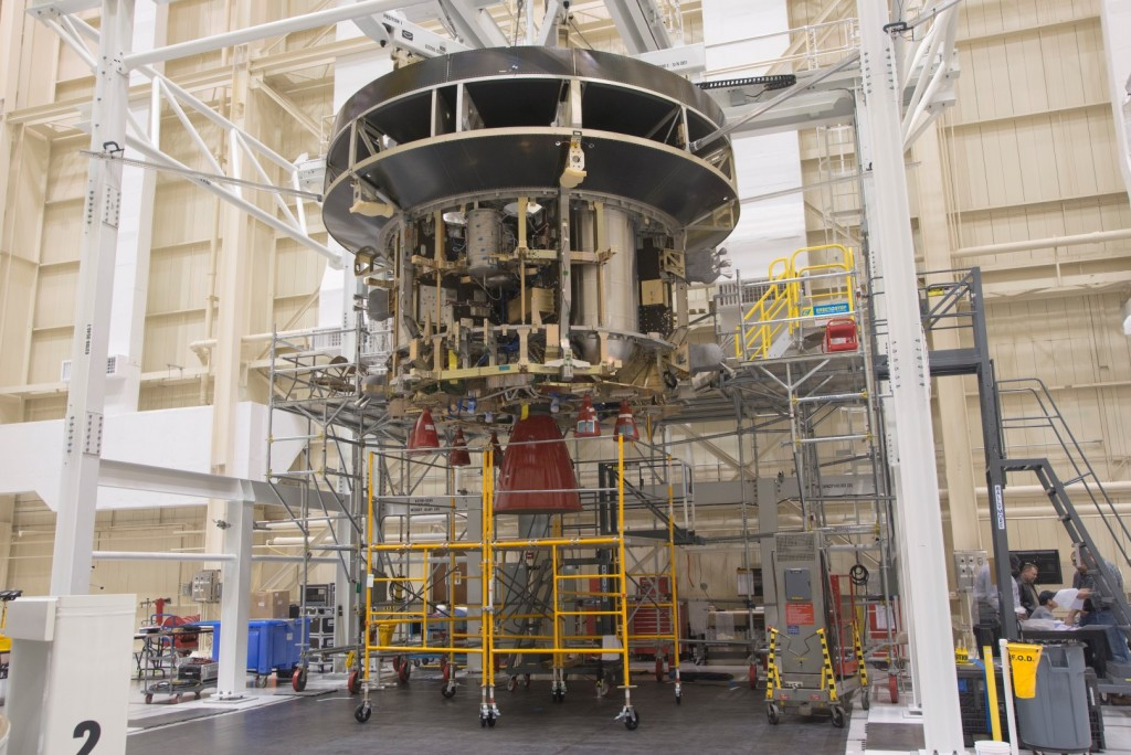 European Service Module test article mating to Orion Crew Module adapter. Credits: ESA/NASA