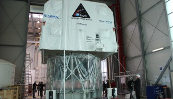 Today the first flight module of the Orion European Service Module has been delivered by Thales Alenia Space to the Airbus DS site Bremen. The Service Module will for now rest in Building 43 where first integration steps will take place. Later on it will be transported to the cleanroom in building 41, for integration and test in the clean environment.