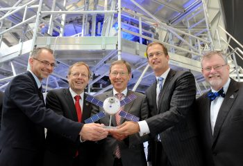 Kickeoff Orion European Service Module assembly 19 May 2016, from left: Jim Free (NASA), Jan Wörner (ESA), Carsten Sieling (Lord Mayor Bremen), Bart Reijnen (Airbus Defense and Space) and Michael Hawes (Lockheed Martin). Credits: Airbus DS