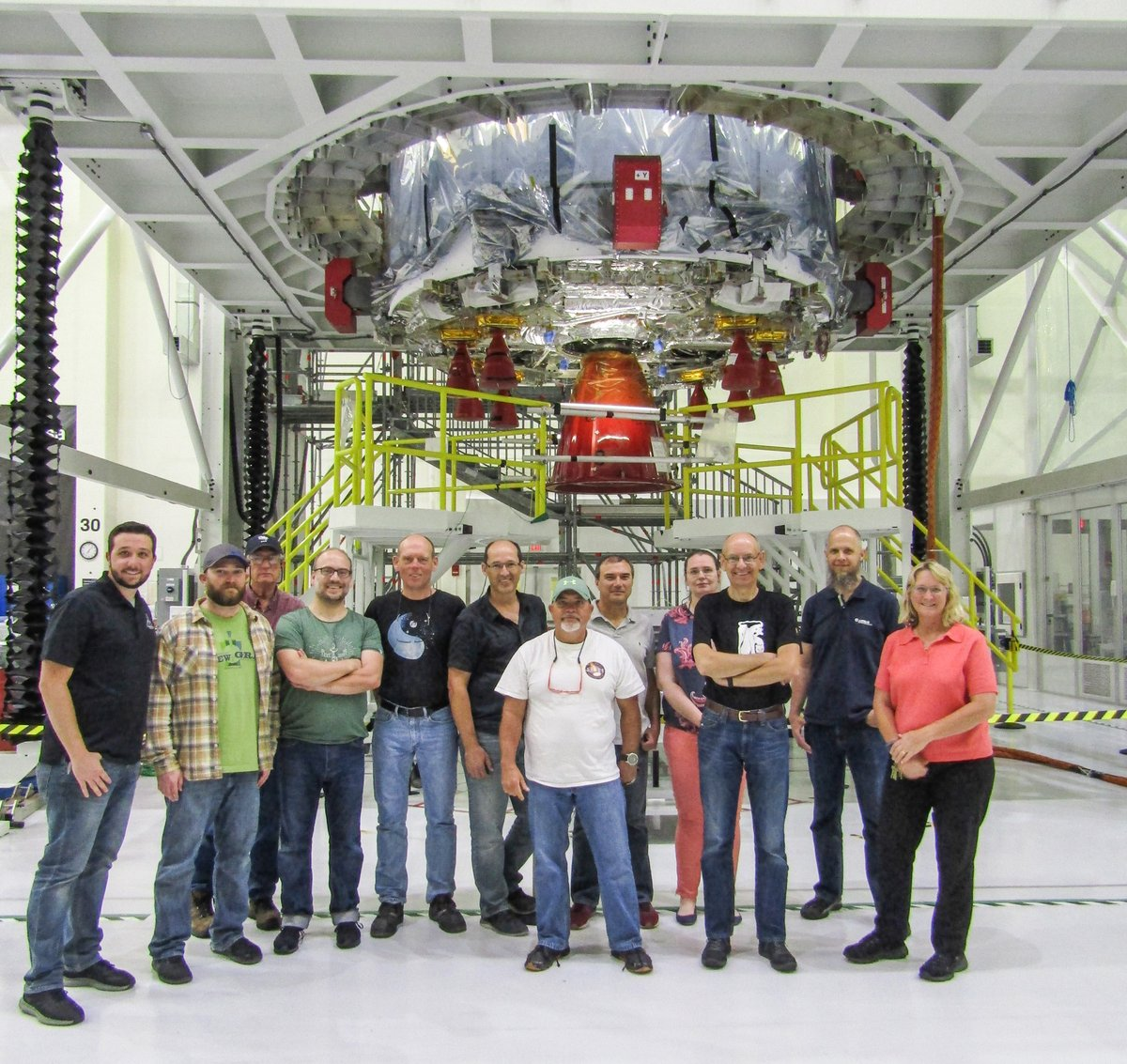http://blogs.esa.int/orion/files/2019/04/Installation-nozzle-ESM.jpg