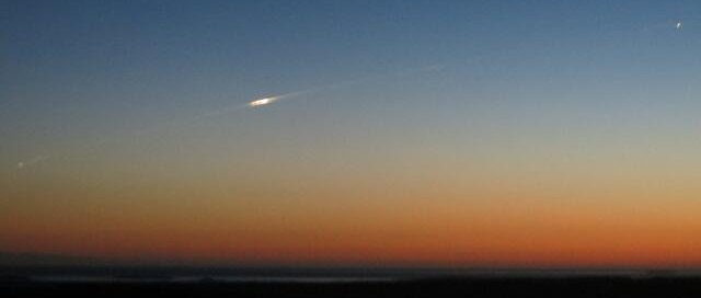 Photo of GOCE reentering the atmosphere taken by Bill Charter in the Falklands at 21:20 local time on 11 November.
