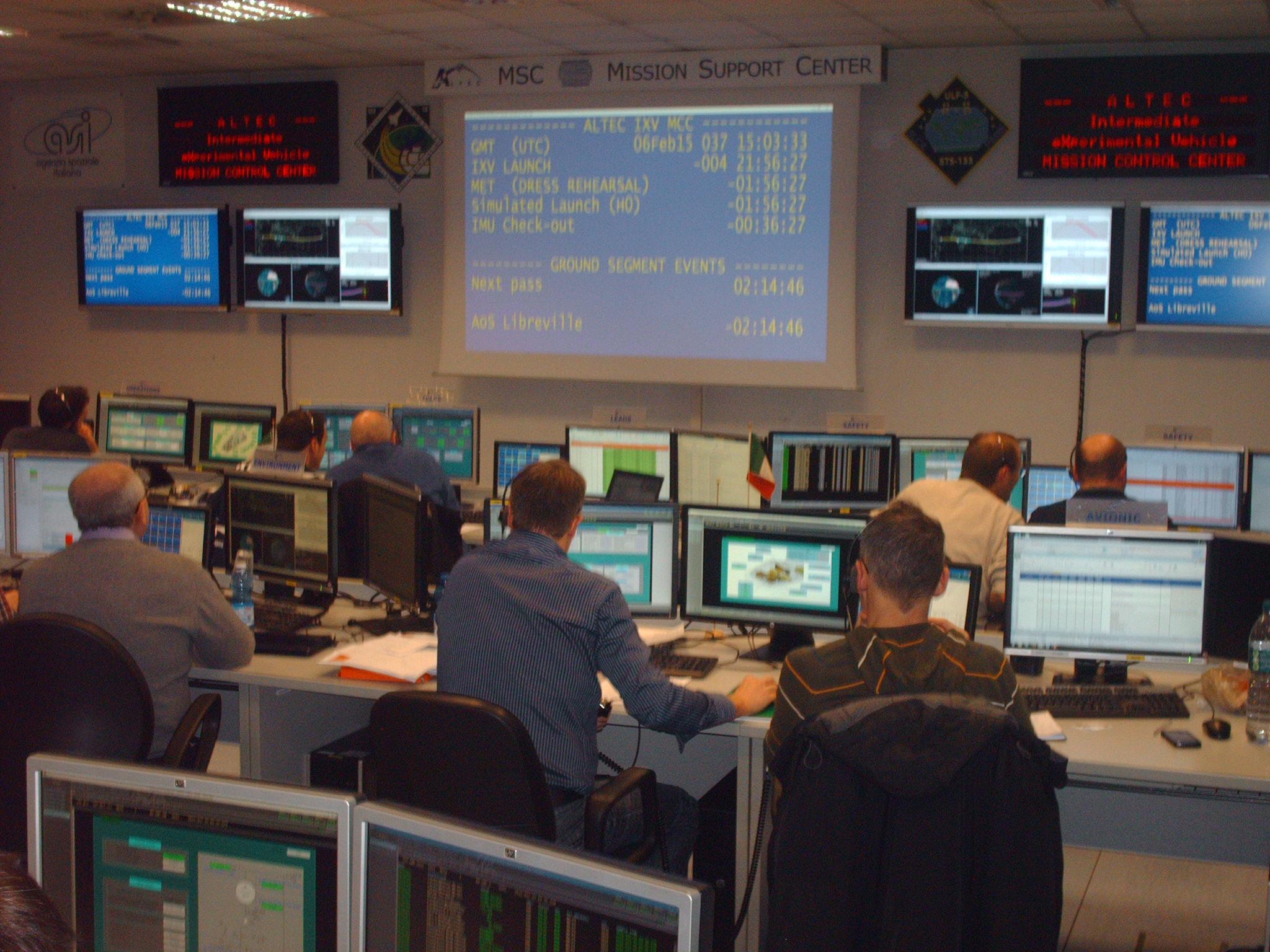 IXV simulation at MCC Altec Turin 6 Feb Credit: ESA