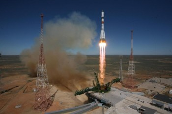 ProgressM-27M / 59P liftoff on 28 April 2015. Credit: ROSCOSMOS