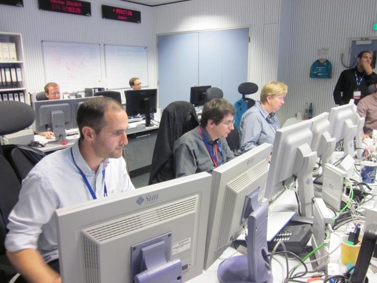 Team at work in ESOC's Flight Dynamics Control Room Credit: ESA - CC BY-SA IGO 3.0