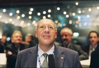 Huygens Spacecraft Operations Manager Claudio Sollazzo at ESOC on 14 January 2005. Credit: ESA/J. Mai