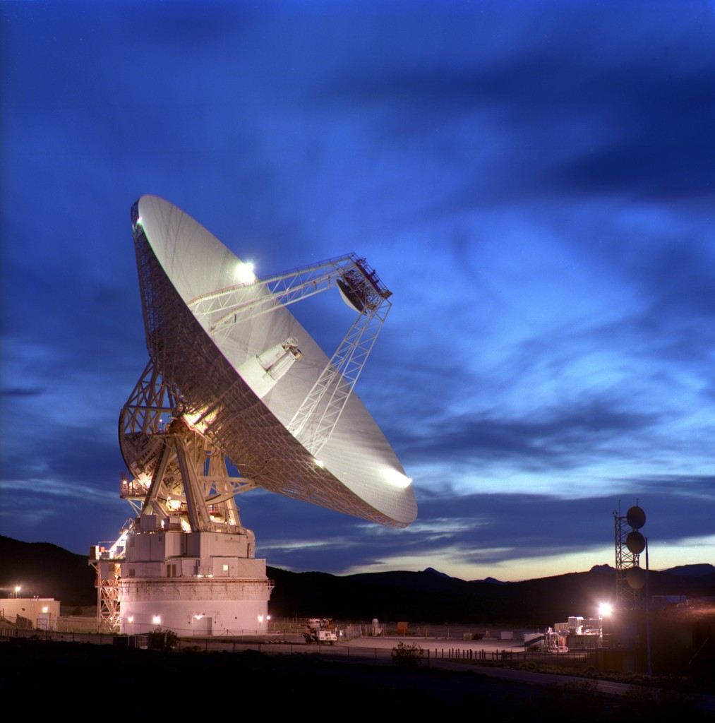 NASA's 70m antenna, part of the Deep Space Network (DSN - DSS14), Goldstone, California. Credit: NASA