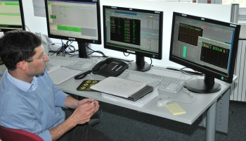 Rosetta Spacecraft Operations Manager Sylvain Lodiot monitoring the thruster burn on 21 May. Credit: ESA