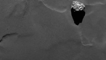 Boulder Cheops, taken by Rosetta's OSIRIS narrow-angle camera on 29 September 2014, from a distance of 28.5 km. The boulder has a maximum dimension of 41.5 m. Credits: ESA/Rosetta/MPS for OSIRIS Team MPS/UPD/LAM/IAA/SSO/INTA/UPM/DASP/IDA