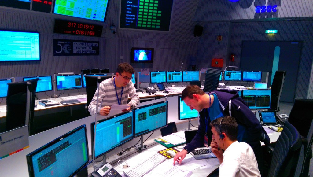 Rosetta flight control team in the main control room at ESOC on 13 November. Credit: ESA