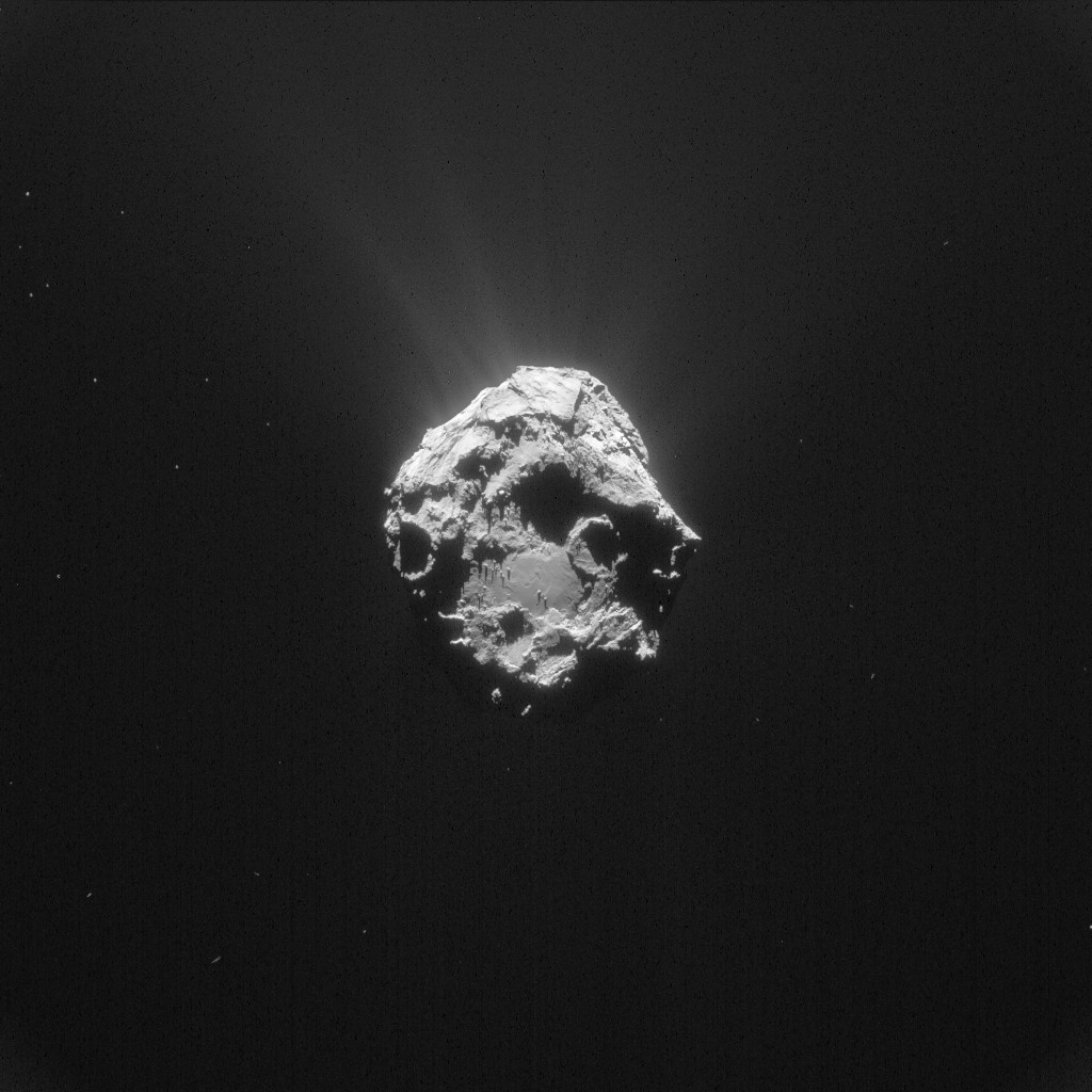 Comet 67P/C-G on 16 April 2015 at 01:06 UT. Credits: ESA/Rosetta/NAVCAM – CC BY-SA IGO 3.0