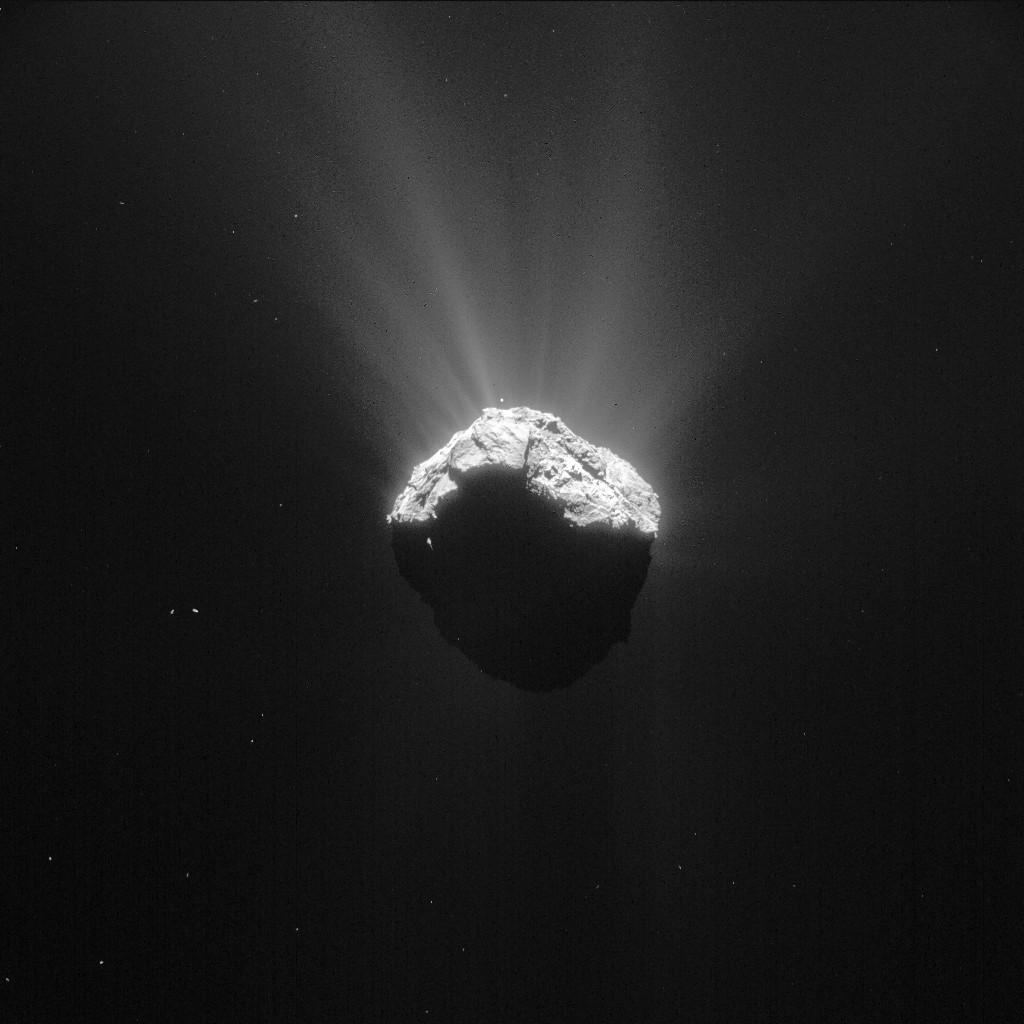 Comet 67P/C-G on 15 April 2015 at 11:55 UT. Credits: ESA/Rosetta/NAVCAM – CC BY-SA IGO 3.0