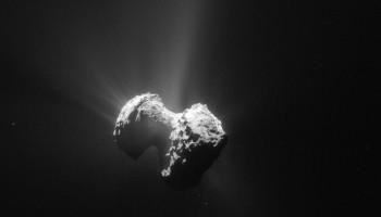 Comet 67P/C-G on 20 July 2015. Credits: ESA/Rosetta/NAVCAM – CC BY-SA IGO 3.0