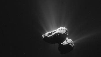 Enhanced view of Comet 67P/C-G on 14 July 2015. Credits: ESA/Rosetta/NAVCAM – CC BY-SA IGO 3.0