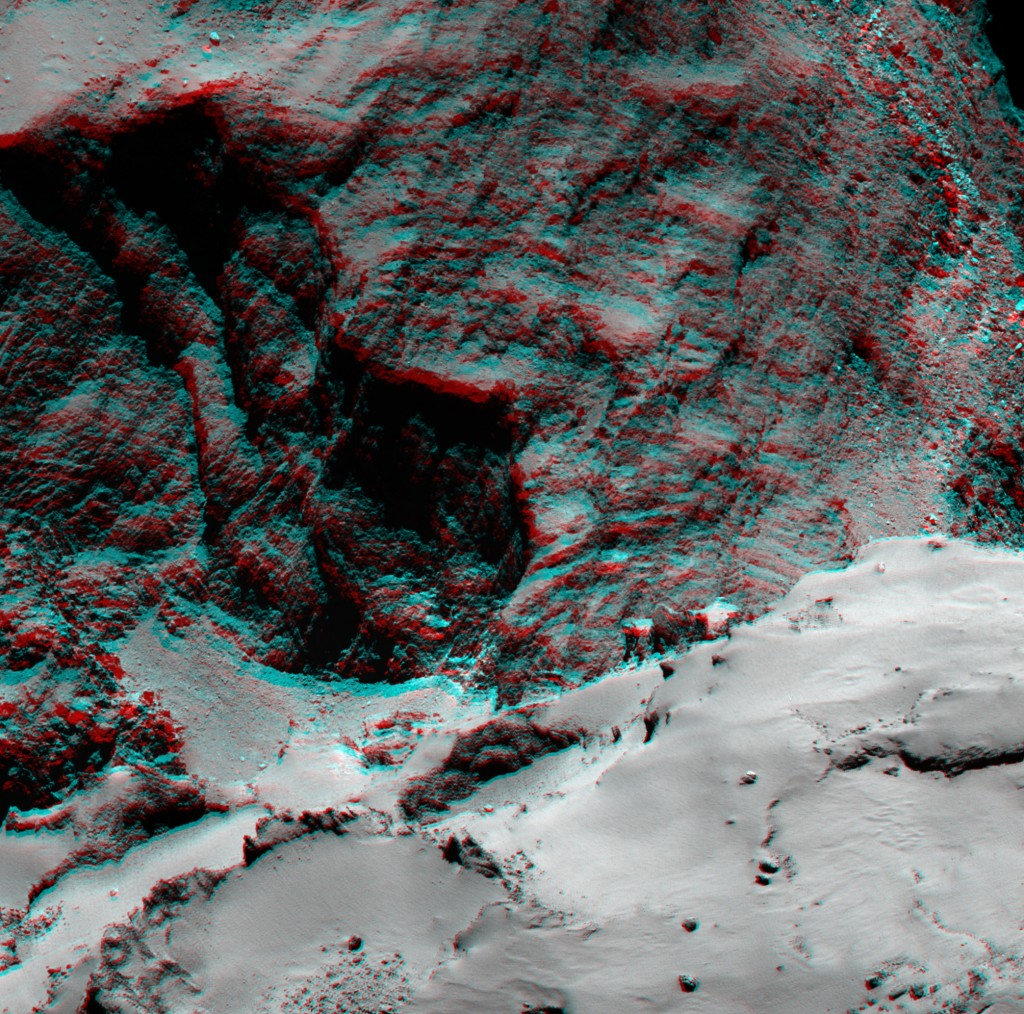 OSIRIS narrow-angle camera image highlighting an alcove structure at the Hathor-Anuket boundary on the comet's small lobe. The layering seen in the alcove could be indicative of the internal structure of the comet.   Credits: ESA/Rosetta/MPS for OSIRIS Team MPS/UPD/LAM/IAA/SSO/INTA/UPM/DASP/IDA