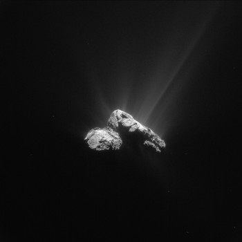 Comet 67P/C-G on 30 July (with contrasts enhanced) from a distance of 178 km. Credits: ESA/Rosetta/NAVCAM – CC BY-SA IGO 3.0