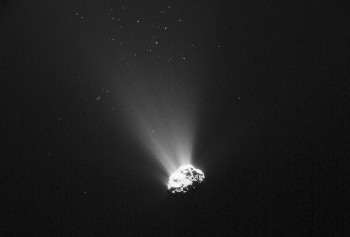 Comet 67P/C-G taken on 5 September 2015, 445 km from the nucleus. ESA/Rosetta/NAVCAM – CC BY-SA IGO 3.0
