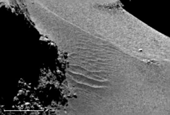 Ripples in the dust in the Hapi region are attributed to 'airfall'. Credit: ESA/Rosetta/MPS for OSIRIS Team MPS/UPD/LAM/IAA/SSO/INTA/UPM/DASP/IDA