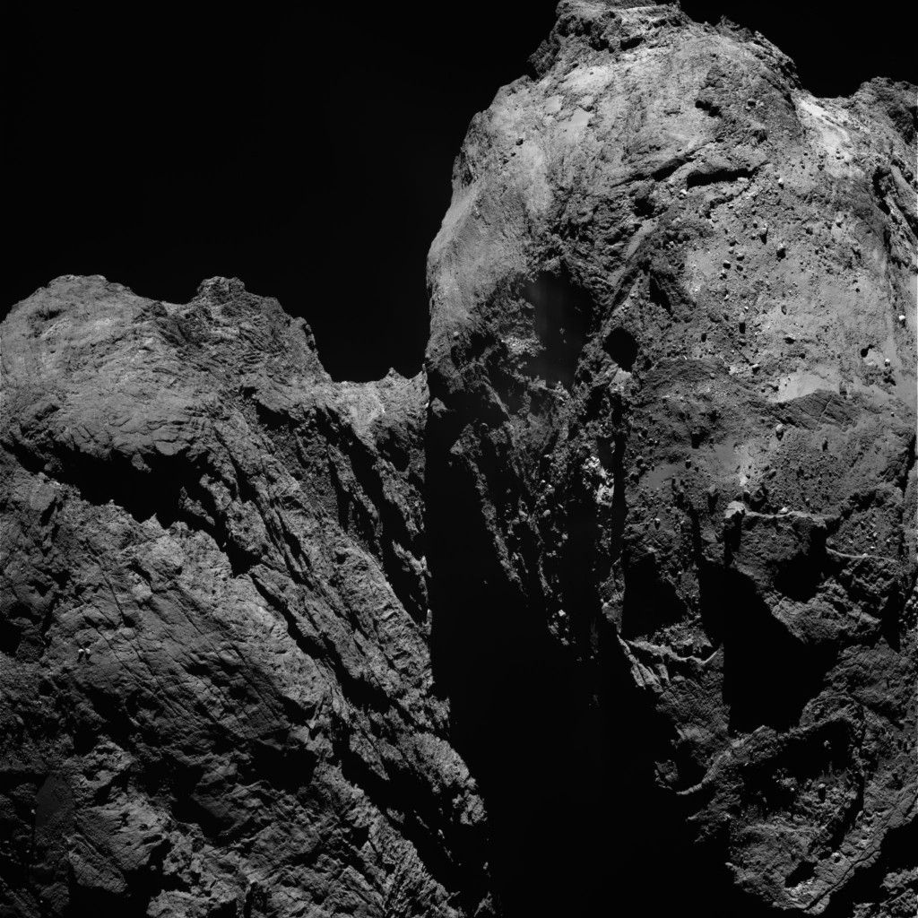 OSIRIS narrow-angle camera image captured on 27 January from a distance of 71.4 km. The image scale is 1.29 m/pixel. Credits: ESA/Rosetta/MPS for OSIRIS Team MPS/UPD/LAM/IAA/SSO/INTA/UPM/DASP/IDA