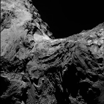 OSIRIS narrow-angle camera image taken on 30 January 2016 from a distance of 62 km. The image scale is 1.1 m/pixel. Credits: ESA/Rosetta/MPS for OSIRIS Team MPS/UPD/LAM/IAA/SSO/INTA/UPM/DASP/IDA