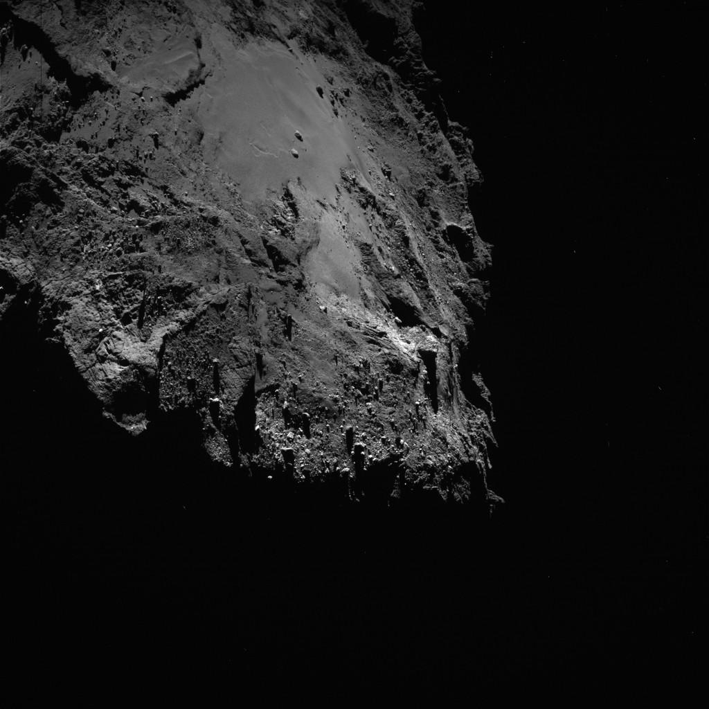 OSIRIS wide-angle camera image taken on 16 March 2016, when Rosetta was 14.4 km from Comet 67P/Churyumov–Gerasimenko. The scale is 1.36 m/pixel. Credits: ESA/Rosetta/MPS for OSIRIS Team MPS/UPD/LAM/IAA/SSO/INTA/UPM/DASP/IDA