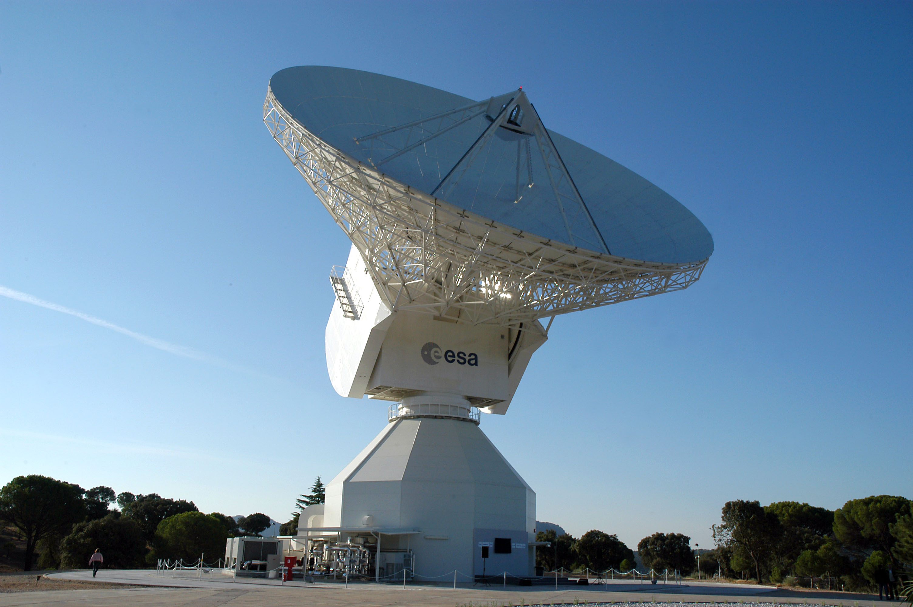 ESA's 35 m-diameter deep-space dish antenna, DSA-2, is located at Cebreros, near Avila, Spain. It is controlled, as part of the Estrack network, from ESOC, the European Space Operations Centre, Darmstadt, Germany. Credit: ESA