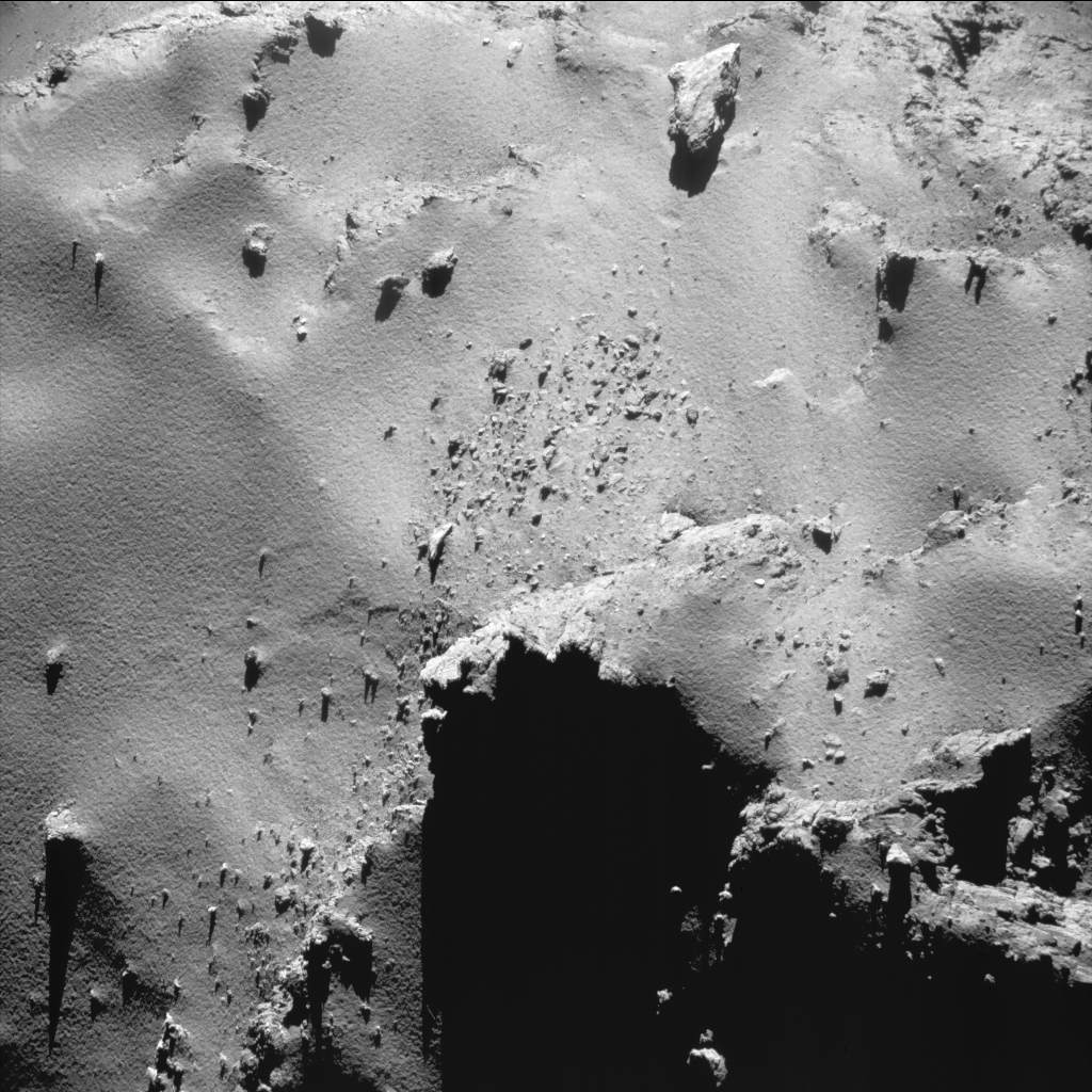 Enhanced NAVCAM image of Comet 67P/C-G taken on 22 August 2016, 6.8 km from the nucleus. The scale at the surface is about 0.5 m/pixel and the image measures about 500 m across. Credits: ESA/Rosetta/NAVCAM – CC BY-SA IGO 3.0.