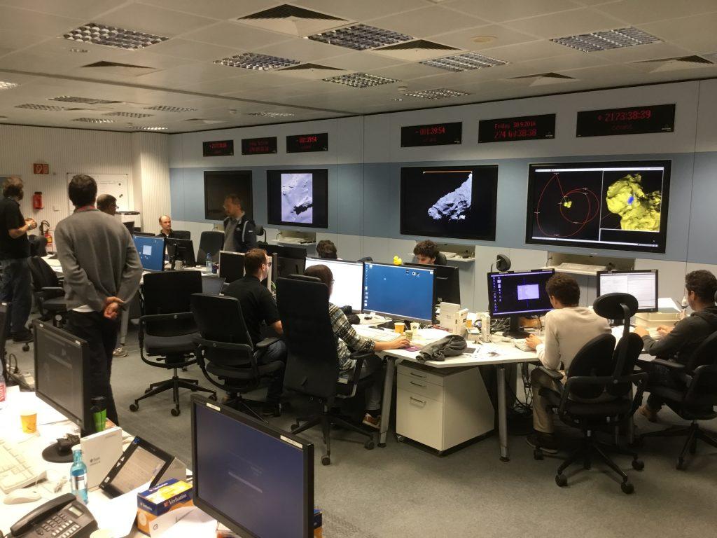 ESOC Flight Dynamics control room during Rosetta's final descent, 30 Sep 2016. Credit: ESA