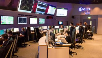 Spacecraft Operations Manager Sylvain Lodiot (standing, near middle of image) oversees the final hours of Rosetta operations in the Main Control Room at ESOC, Darmstadt, Germany, 30 September 2016. Image: ESA/R. Palmari
