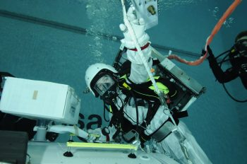 Thomas underwater training. ESA–H. Rueb