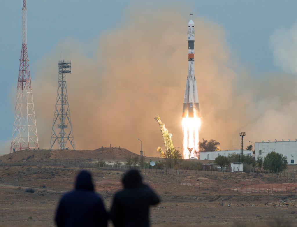 Soyuz MS-02 launch with Expedition 49 Soyuz commander Sergei Ryzhikov of Roscosmos, NASA astronaut Shane Kimbrough and cosmonaut Andrei Borisenko of Roscosmos. Credits: NASA–J. Kowsky