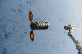 Cygnus spacecraft arriving at the Space Station. Credits: NASA
