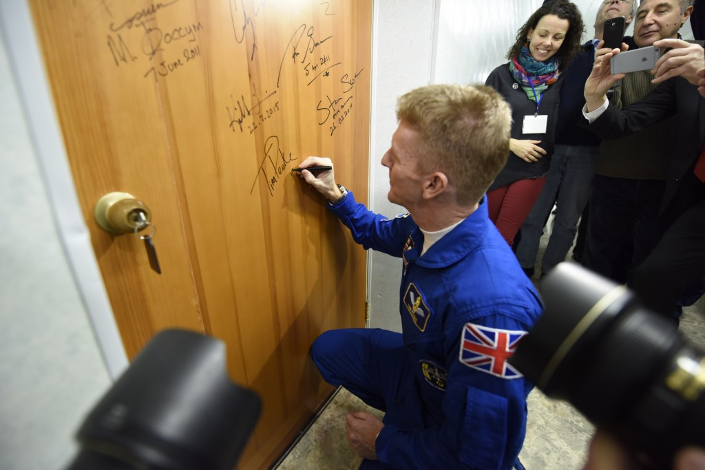 Traditional door signing before launch. Credits: ESA-S. Corvaya
