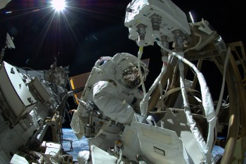 Reid Wiseman spacewalking in sunlight. Credits: ESA/NASA