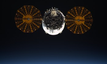 Cygnus CRS-5 leaving the Space Station 19 February 2016 with rubbish. Credits: ESA/NASA
